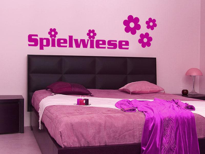 wandtattoo spielwiese wanddeko im schlafzimmer. Black Bedroom Furniture Sets. Home Design Ideas