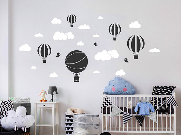 wandtattoo hei luftballons mit wolken und v geln. Black Bedroom Furniture Sets. Home Design Ideas